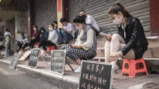 招工潮开始 湖北务工者回流广州海珠制衣片区