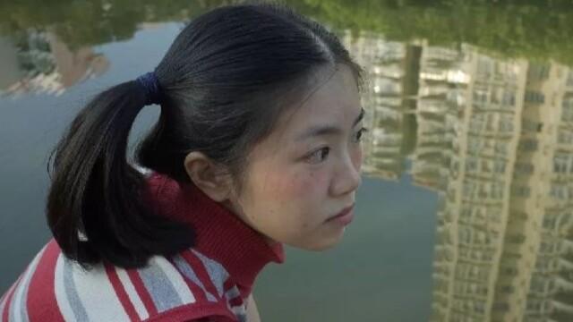 拍下中国女孩不开美颜的模样