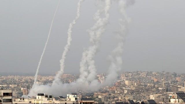 150多枚火箭弹从巴勒斯坦加沙地带射向以色列