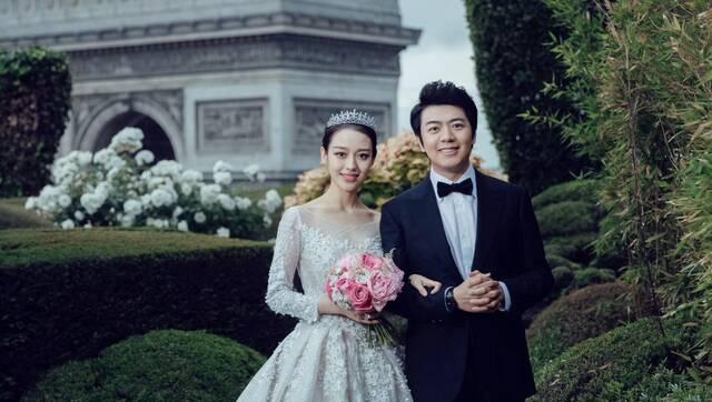 恭喜!郎朗迎娶24岁妻子,女方身材傲人
