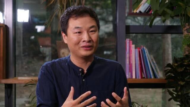 凤凰网《公益先锋》专访张伯驹
