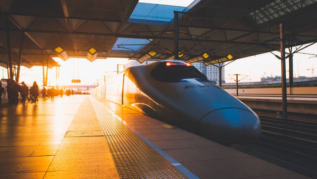 山东:开建5条高铁 确保青岛新机场建成投用