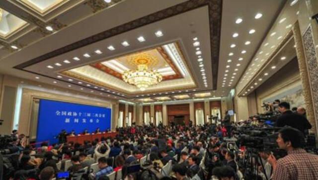 全国政协十三届二次会议今日开幕