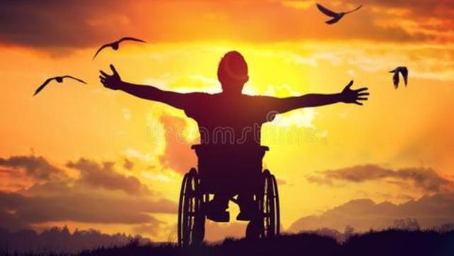 """【暖新闻•江西2019】在轮椅上""""点击""""希望"""