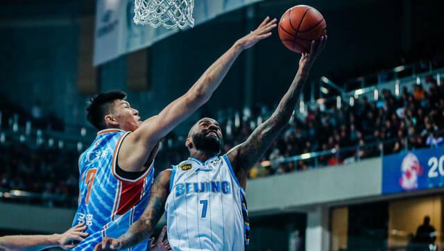 北京男篮豪夺12连胜!杰克逊42+10