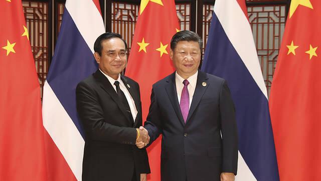 习近平会见泰国总理巴育丨组图