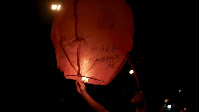 毛坦厂:那些奔赴战场前的灯和焰火