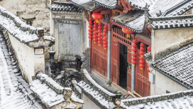 安徽西递古村春节雪景