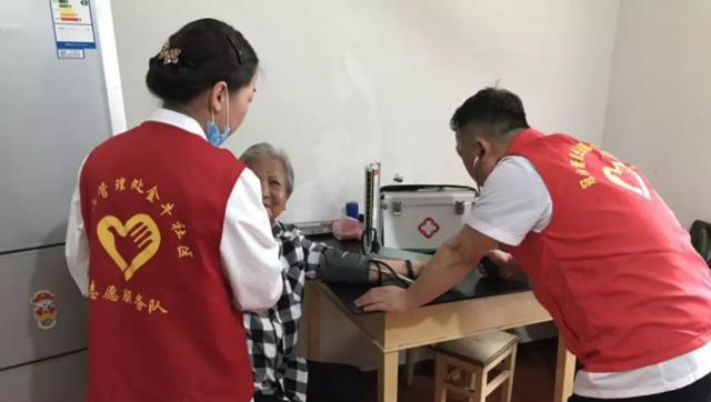 【暖新闻·江西2019】南昌经开区:家庭医生是居民的贴心健康管家