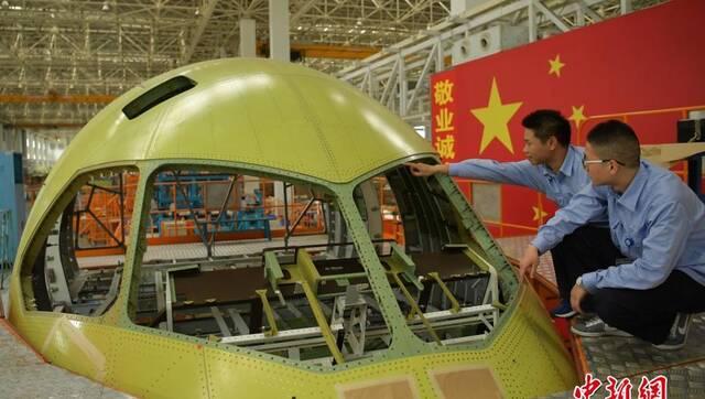 中国造C919大型客机第三架机头即将交付