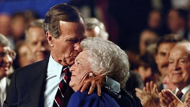回顾老布什夫妻的恩爱瞬间