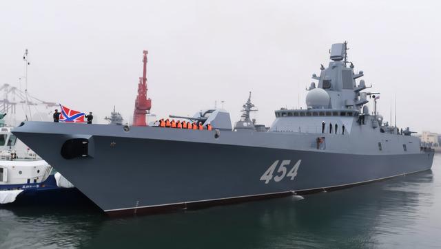 11国军舰抵达青岛 巴基斯坦未派舰参加海上阅兵