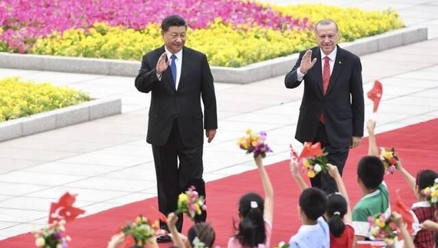 习近平同土耳其总统埃尔多安举行会谈