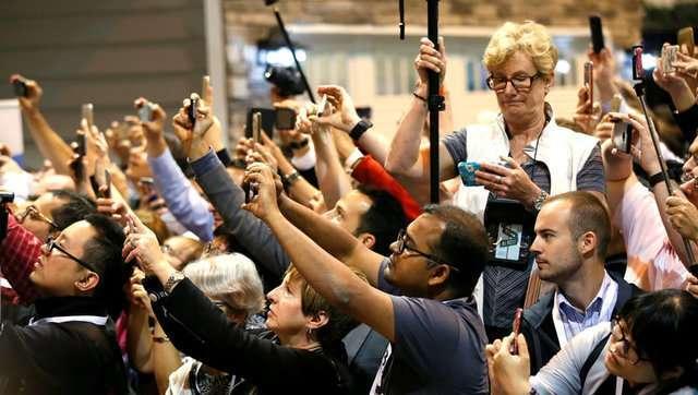 巴菲特股东大会:4万人会场坐无虚席 1/8是中国人