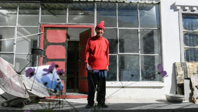 """边陲巨变:西藏阿里""""四代房"""""""