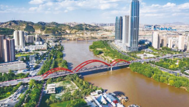 """陇原交通70载:兰州变""""桥都"""""""