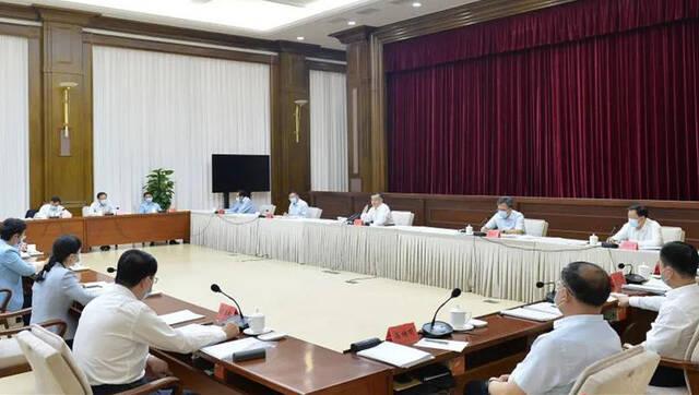 张庆伟:集中力量集成举措集聚动能 推动改革开放迈出更大步伐