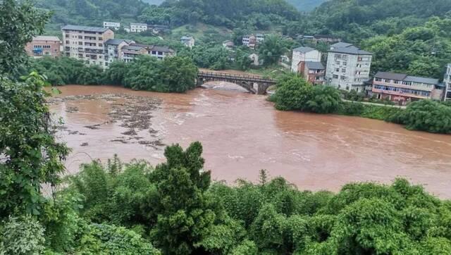 强降雨致重庆6万人受灾 因灾死亡1人失踪1人