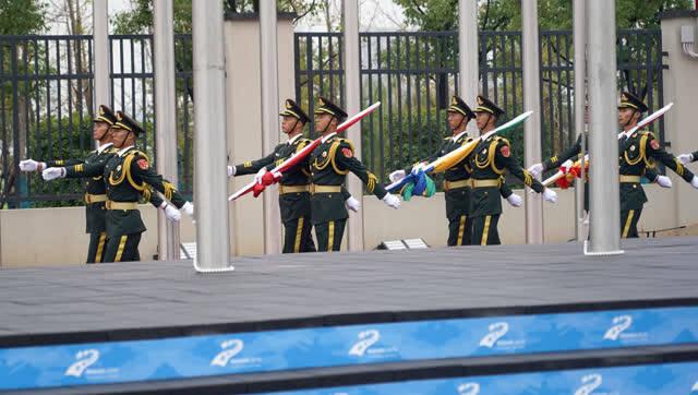 武汉军运会军运村举行代表团升旗仪式