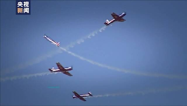 让飞机慢下来 飞行表演100帧高清视频慢放空中精彩
