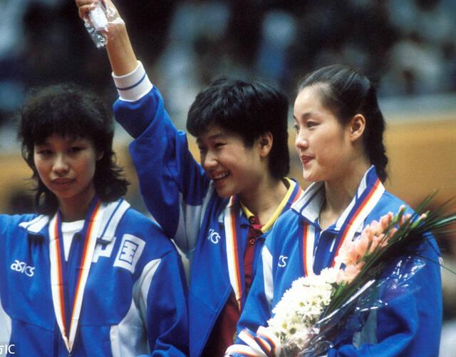 2000悉尼奥运会羽毛球女子双打图片