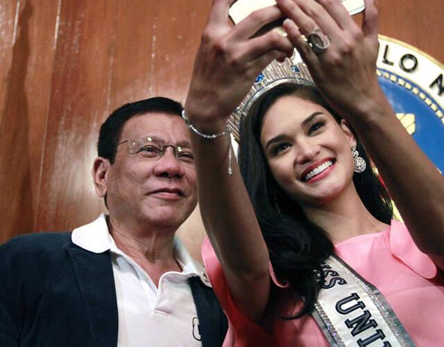当了几届总统_图为当地时间2016年7月18日,菲律宾马尼拉,菲律宾总统杜特尔特在总统