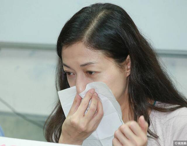 小龙女出院 几十条自残伤痕触目惊心