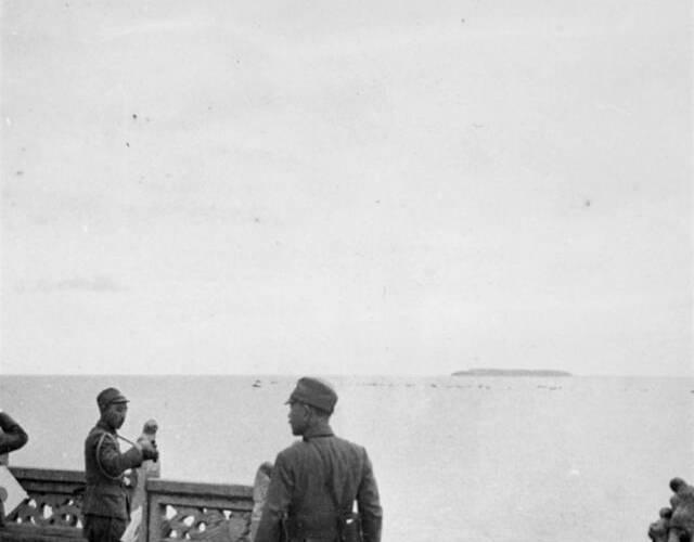 10月中旬,日军全部退回新墙河以北,中国军队收复全部失地,恢复战前态势。图为日军第11军司令官阿南惟几在洞庭湖。