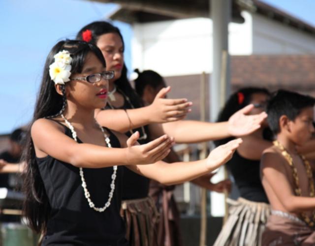 关岛位于西太平洋马里亚纳群岛最南端,面积549平方公里,人口17.