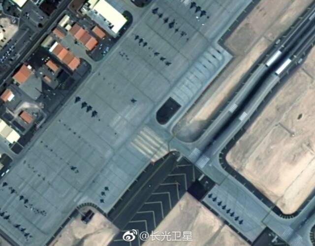 内利斯空军基地