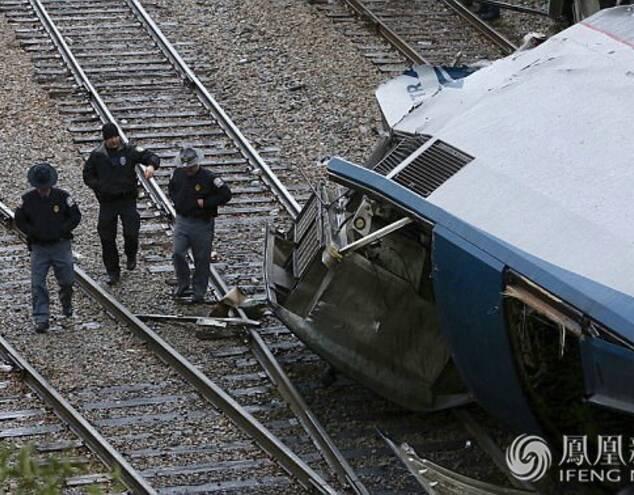 美国NBC新闻网援引美国铁路公司的消息表示,该公司的一辆从纽约开往迈阿密的火车是在南卡罗来纳州与一辆货运列车相撞的,目前无法确定具体的伤亡数字。