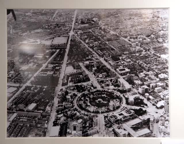 天津中心公园,照片左上角的空地是耀华中学的操场。
