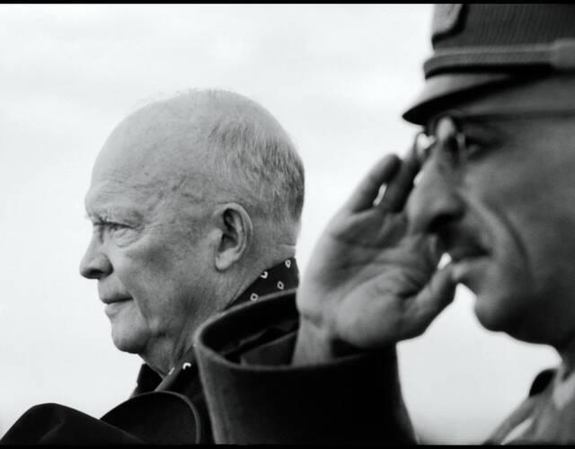 阿富汗国王查希尔和美国总统艾森豪威尔。(Wayne Miller 摄)