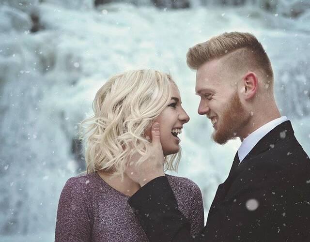 """瀑布常年都非常漂亮,但是,在冰点之下还是让人感觉有点""""不寒而栗"""""""