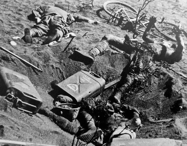 血战硫磺岛中死亡的日本兵。
