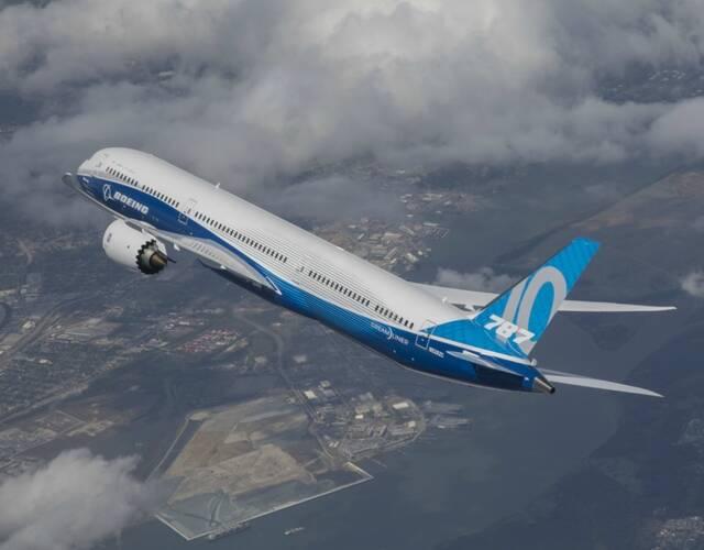 波音787-10客机交付新加坡航空,图片尺寸:600×399,来自网页:http
