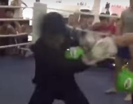 武当弟子搏击俱乐部踢馆 7秒被打趴