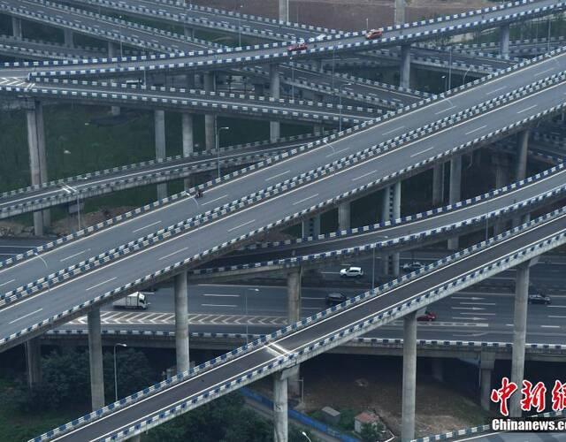 """被誉为""""重庆主城最复杂立交"""".  摄-重庆主城 最复杂 立交桥完工"""