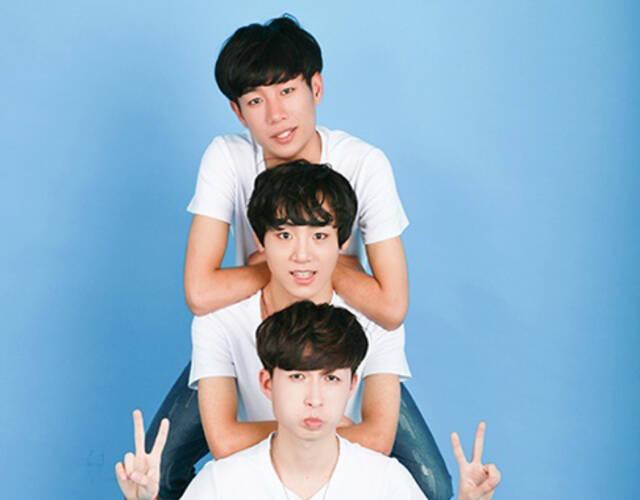"""来自上海的""""nice""""男团在微博宣布出道"""