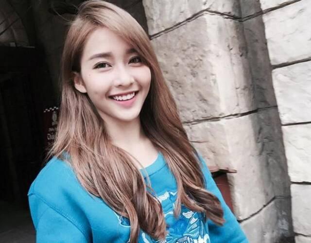 越南拳击美少女笑容灿烂