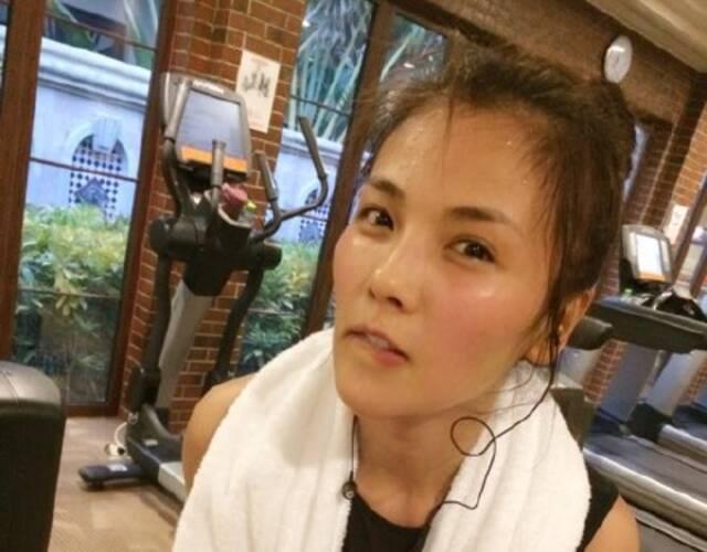 刘涛的性感秘诀:把跑步可以一种习惯塑身衣艾芘基妮吗穿当成哺乳期图片