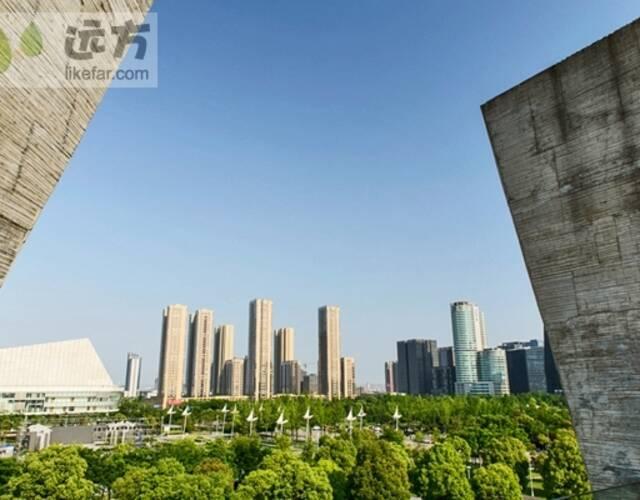 宁波博物馆在外观设计上大量地运用了宁波旧城改造中