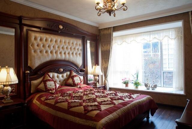卧室-雍容华贵的欧式床铺和家具,华丽与舒适为一体图片
