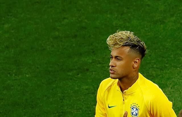 巴西被逼平内马尔新发型亮相 网友:刚出锅的方便面扣图片