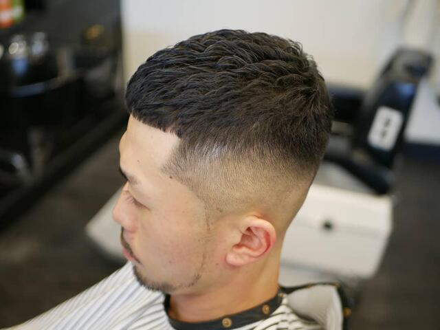 带点络腮胡剪一款这样的短发,彰显男士阳刚帅气的一面!图片