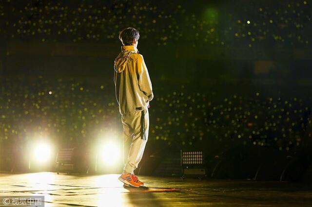 鹿晗杭州演唱会 图片来源:视觉中国/视觉中国图片