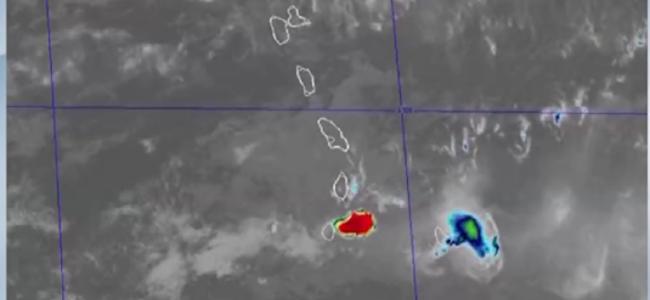 卫星视角看加勒比海岛火山喷发,火山灰冲上万米高空