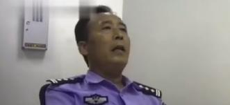 54岁警察出警途中瘫坐无法起身 执法记录仪拍下这一幕
