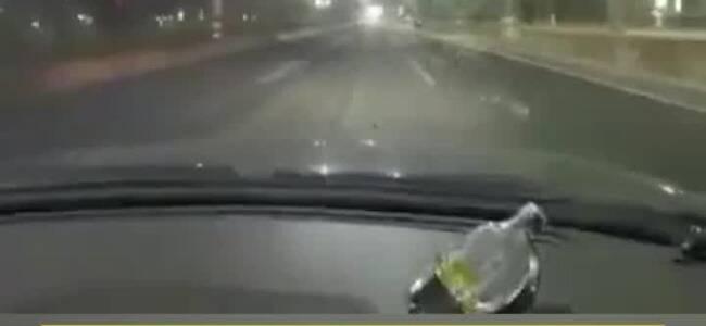 生日当天回家路上被叫回去加班 女孩在网约车上崩溃大哭