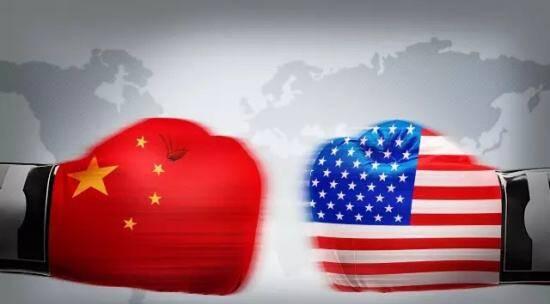 """中美""""贸易战""""一触即发,各方出谋划策、摩拳擦掌、跃跃欲试。应该说,中美关系的复杂程度相当的高,你中有我我中有你并不是随便说说的,因此,从301调查清单也能够看出来,双方还是尽力避开了许多己方依赖性较高的贸易项目,而双方的贸易往来其实还是互补性大于竞争性。 可以说,想要战?就战。与此同时,想要战?也没那么容易就战。 在此形势下,几乎能判断,当特朗普叫嚣""""1000亿美元""""时,此次交会已过中盘,""""谈""""才是接下来的重点。 但从另一方面又应该看"""